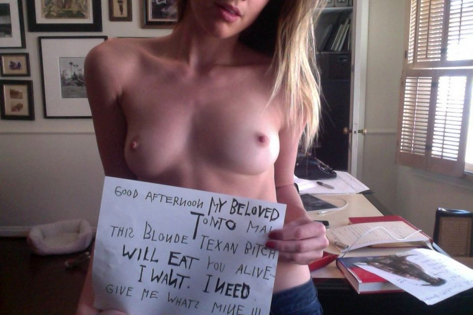 Amber Heard Leaked Pics, Nude Selfies and Naked Photos