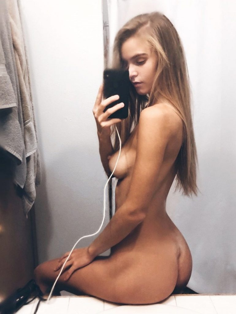 Amberleigh West Nude Photos Leaked, Boobs and Pussy