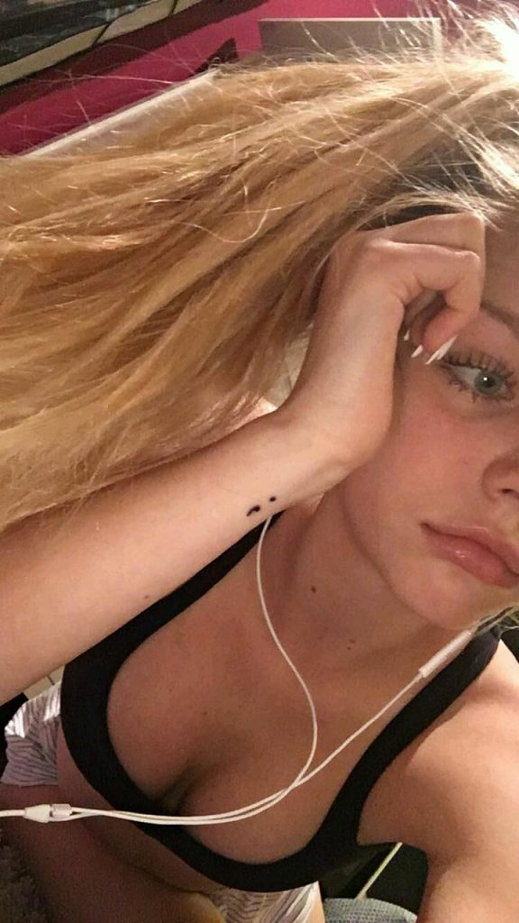Anika Boron Leaked Pics, Tits and Pussy