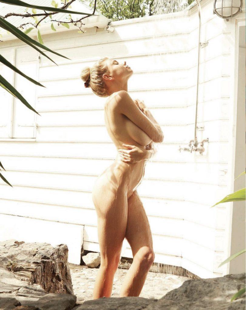 Charlotte McKinney Leaked Pics, Naked Photos