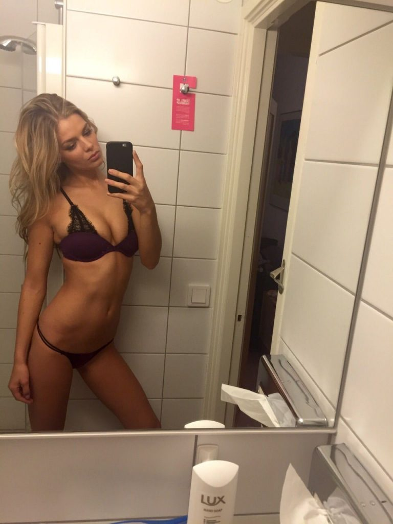 Danielle Knudson Leaked Pics, Boobs and Booty