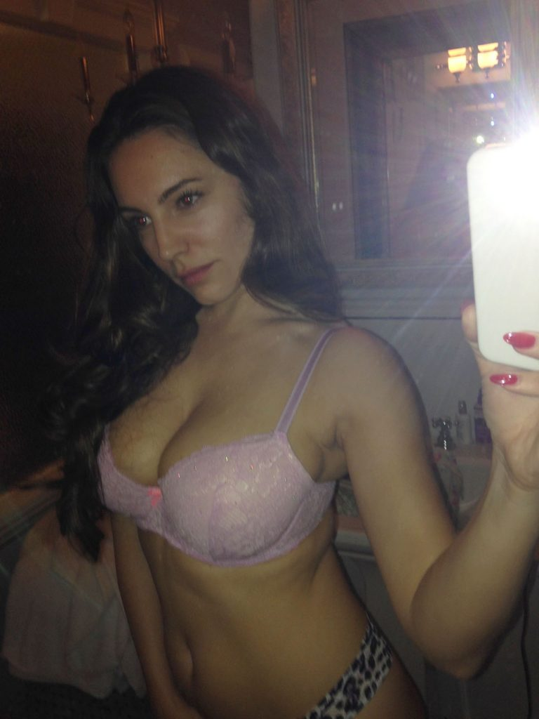 Kelly Brook Leaked Pics, Nude Selfies and Sex Photos