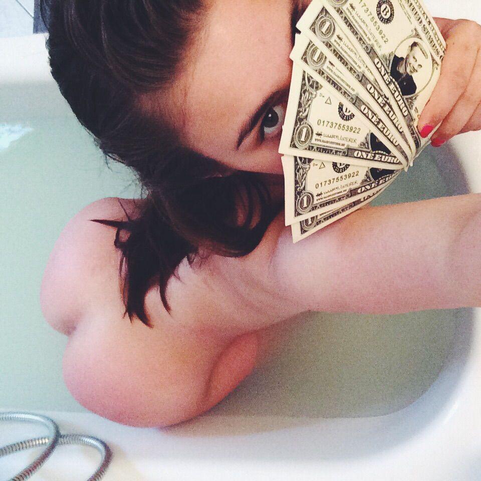 Laura Kokinova Nude Leaked Photos, Facial and BJ