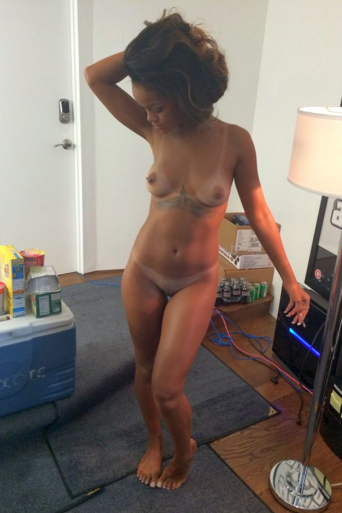 Rihanna Leaked Pictures, Nude Photos