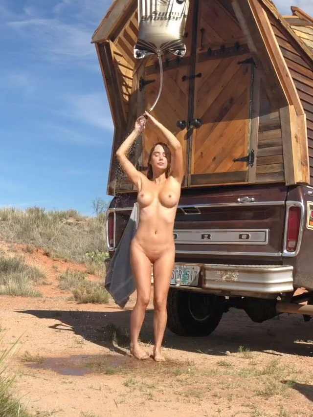 Sara Underwood Leaked Photos, Breasts and Pussy