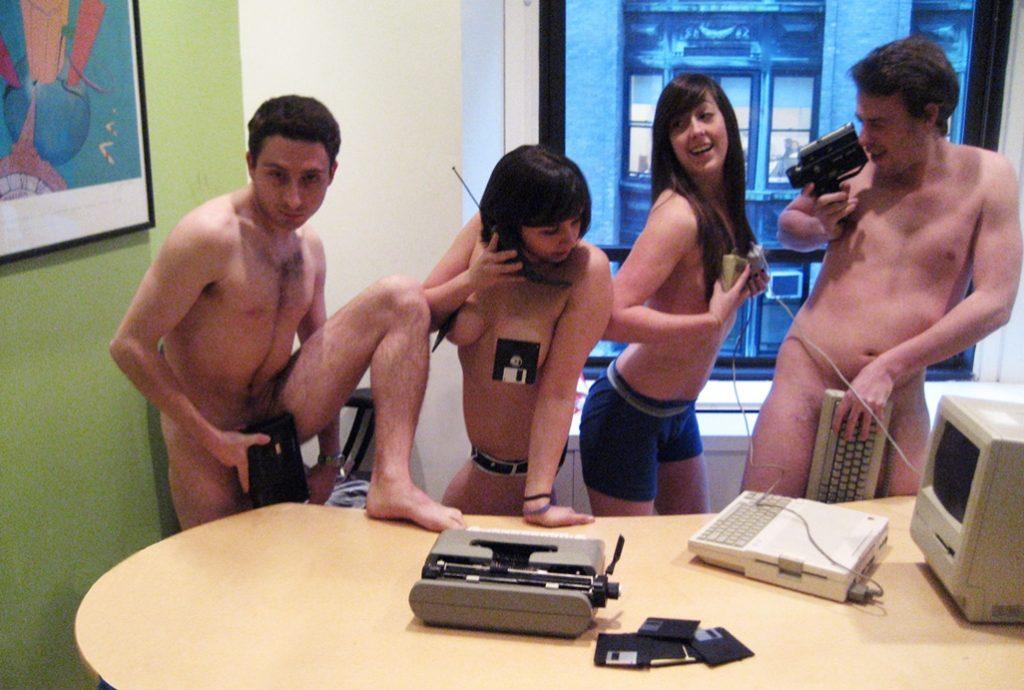 Sarah Schneider Leaked Photos, Nude Office Pics
