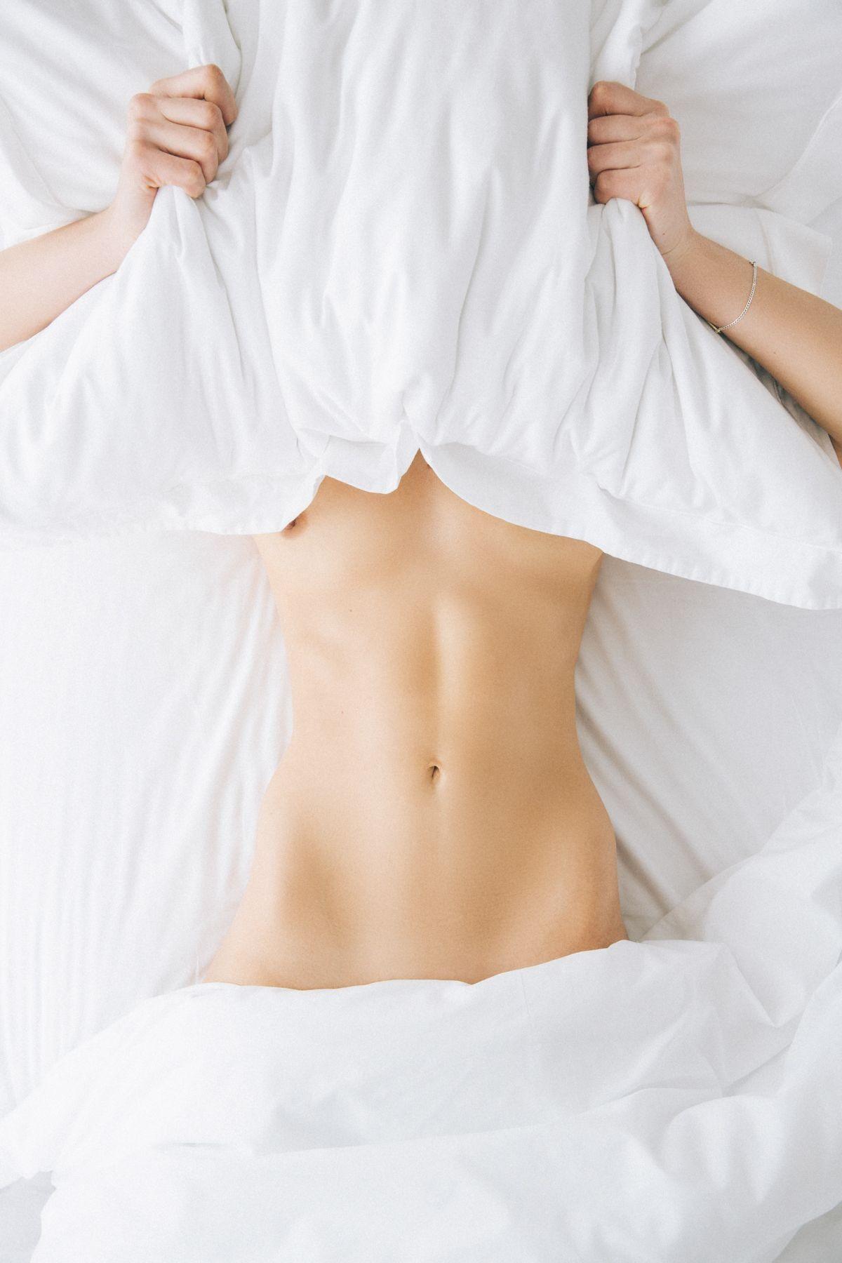 Alex McGregor Nude Photos, Sexy Pics
