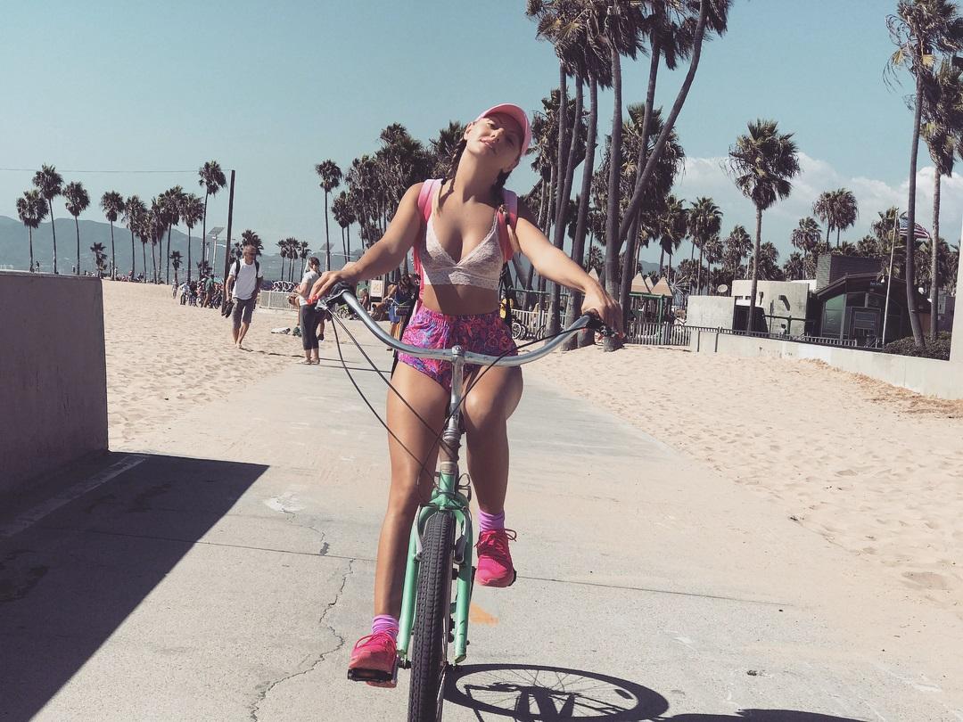 Alexandra Stan Photos Leaked, At the Beach