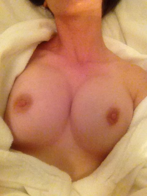 Alison Brie Nude Photos Leaked, Tits and Pussy