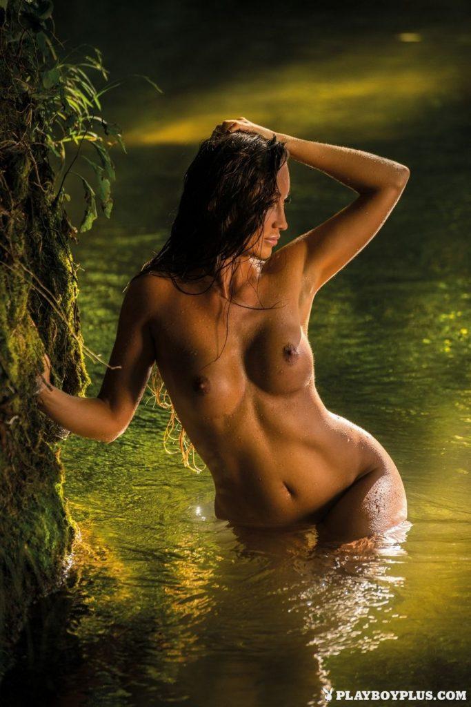 Arijana Marić Stunning Photoshoot, Nude Body