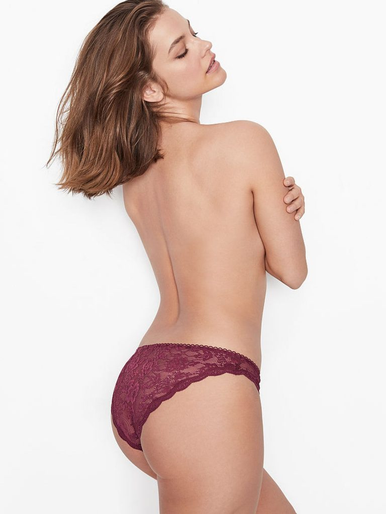 Barbara Palvin Sexy Topless Pictures