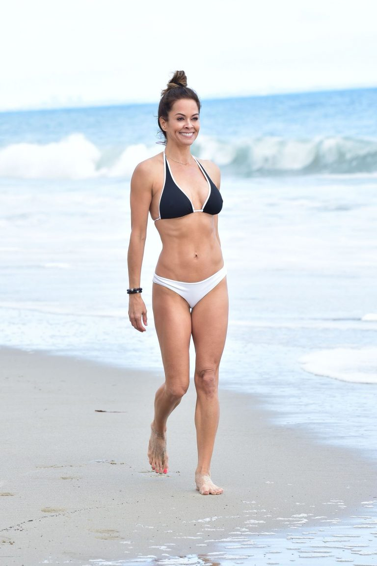 Brooke Burke Pics On The Beach