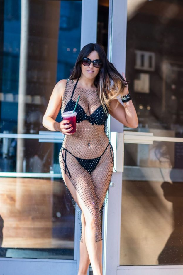 Claudia Romani Sexy Bikini Photos