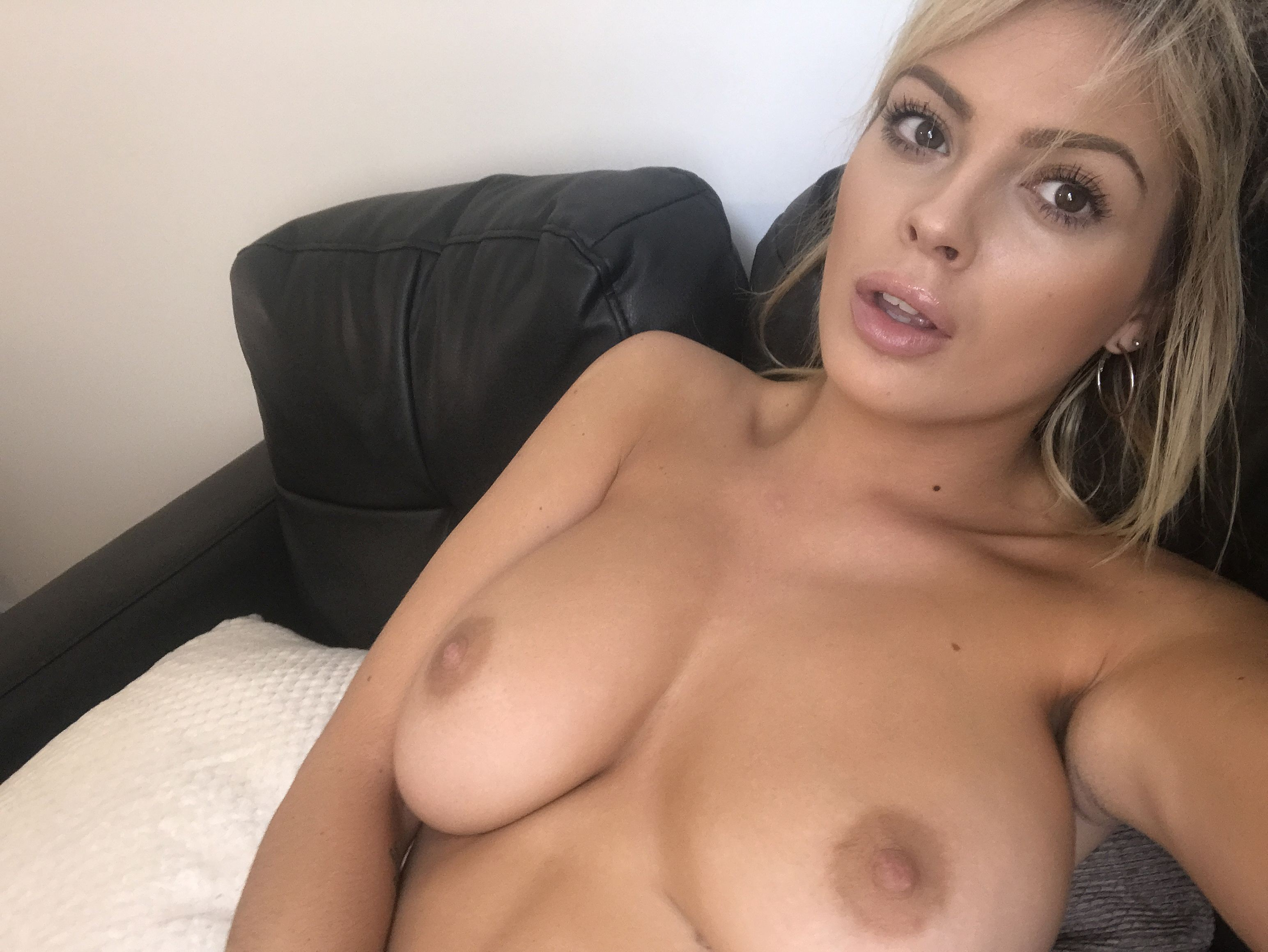 Danielle Sellers Leaked Nude Selfies, Boobs and Ass