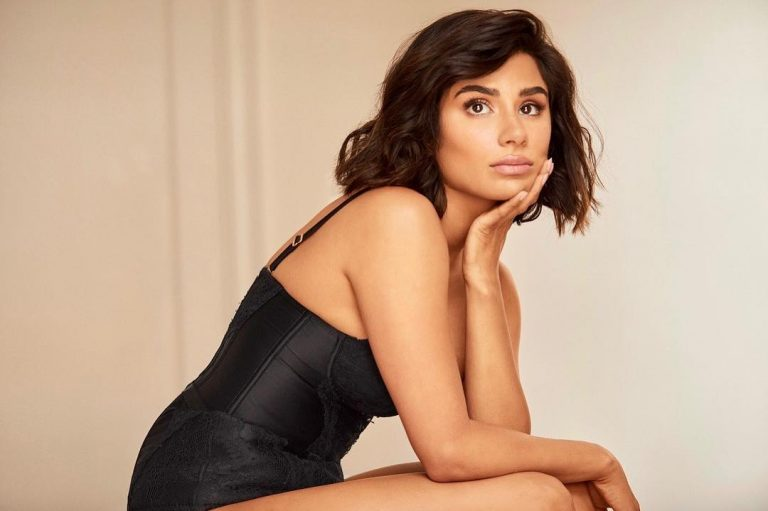 Diane Guerrero Sexy Pics, Cleavage and Legs