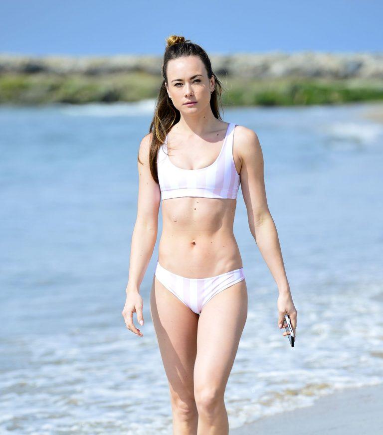 Imogen Leaver Bikini Pictures On The Beach