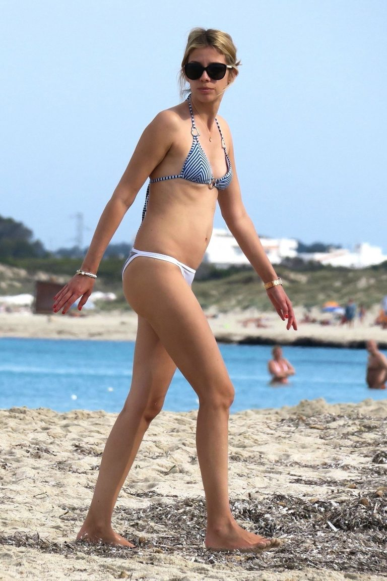 Isabel Vollmer Hot Beach Pictures