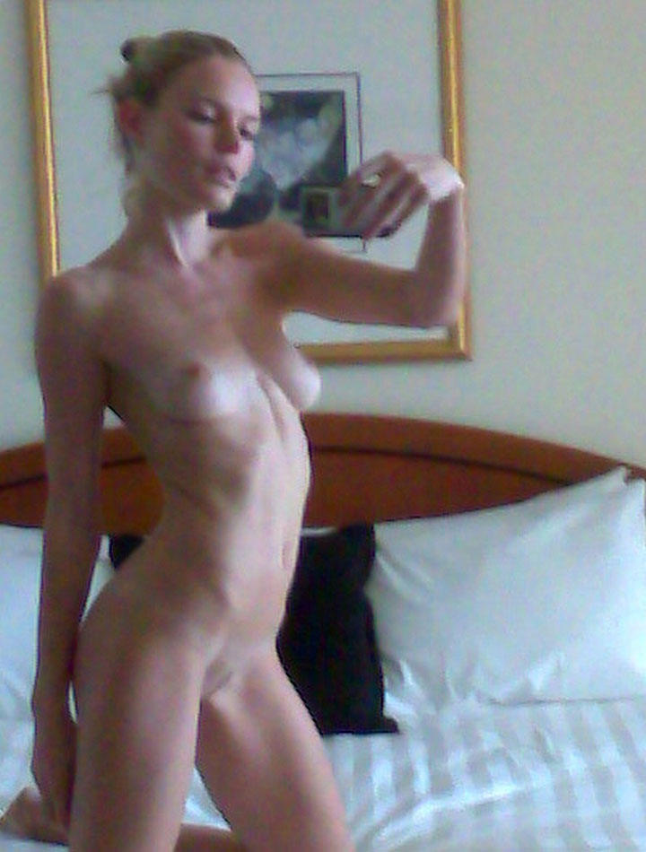 Kate Bosworth Leaked Pics, Nude Selfies and Naked Photos