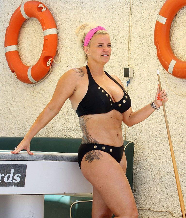 Kerry Katona Plays Snooker In Bikini