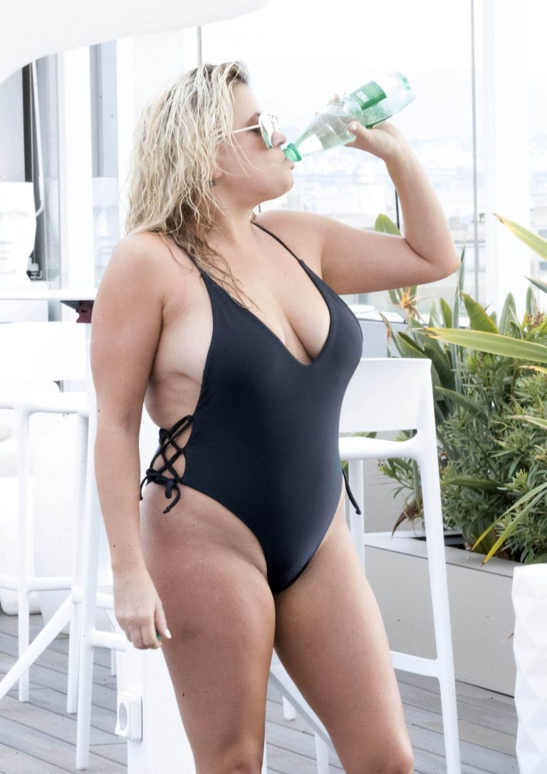 Lady Nadia Essex Hot Pictures, Swimsuit