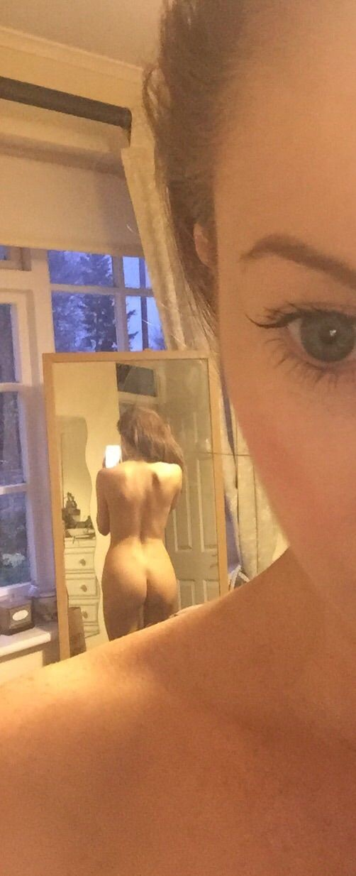 Laura Carter Leaked Nude Photos, Tits and Ass