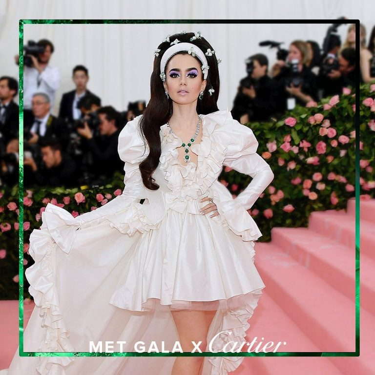 Lily Collins Sexy Pics, Red Carpet Phots