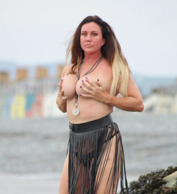 Lisa Appleton Topless Photos