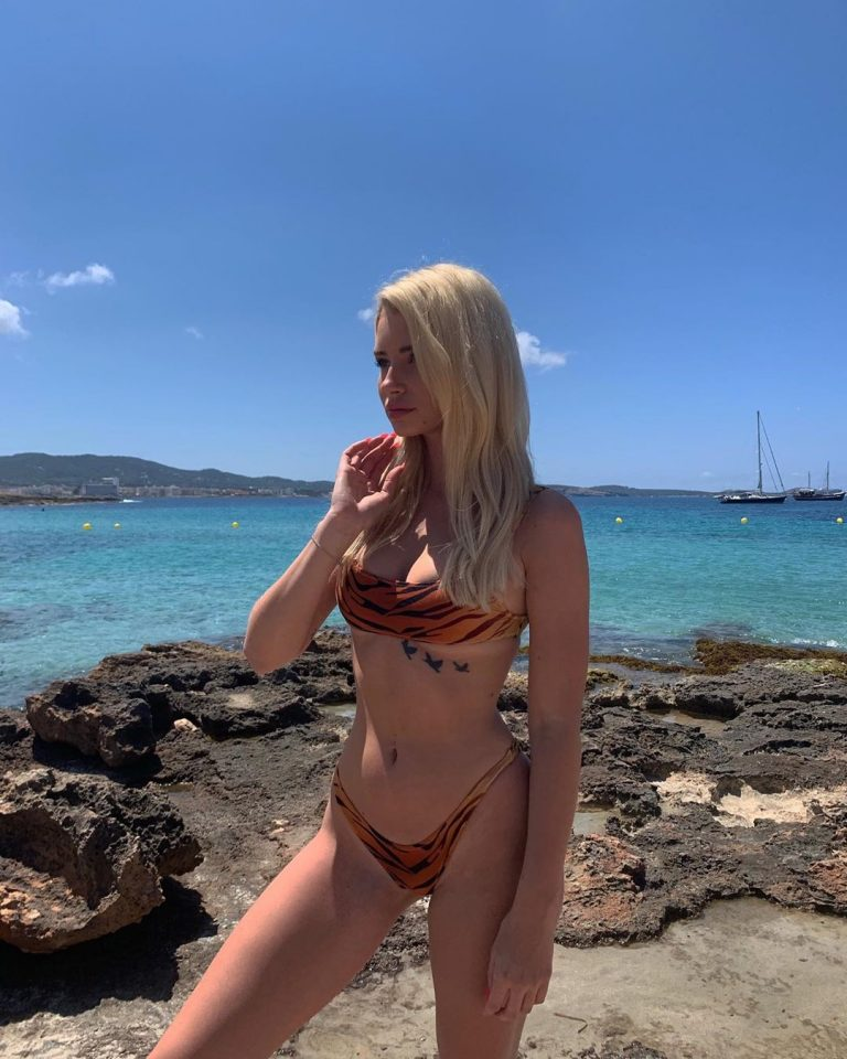 Lottie Moss Sexy Beach Pictures