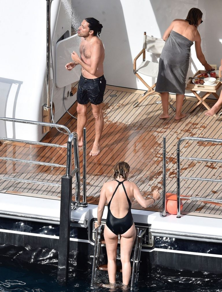 The Booty Of Marta Ortega Is Wet