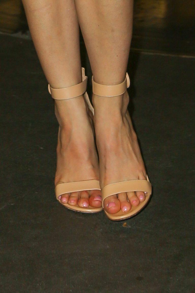 Stephanie Pratt Looking Sexy When Barefoot