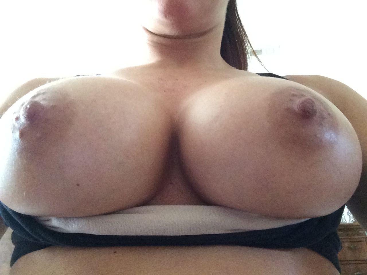 WWE Mickie James Leaked Pics, Pregnant Nude Selfies