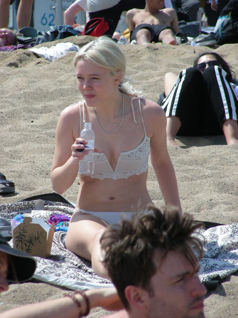 Zara Larsson Sexy Beach Photos