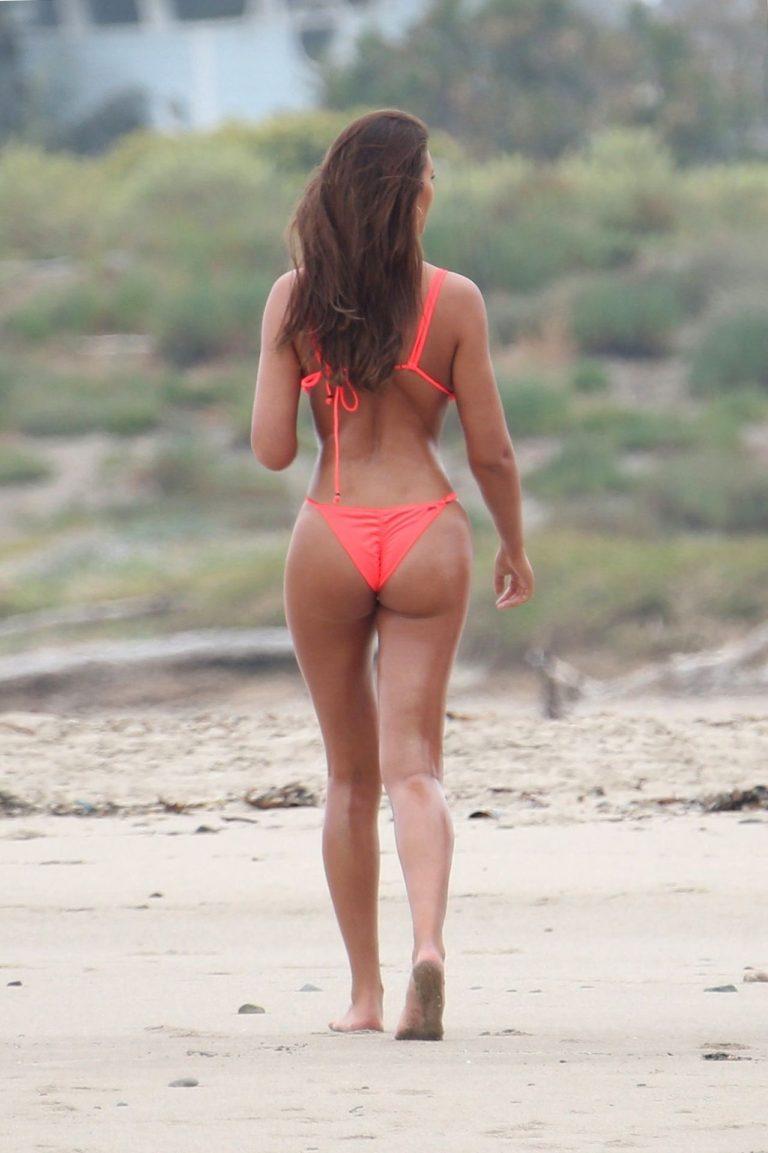 Zita Vass Sexy Pictures On The Beach