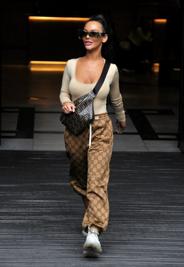 Chelsee Healey Sexy Braless Pics