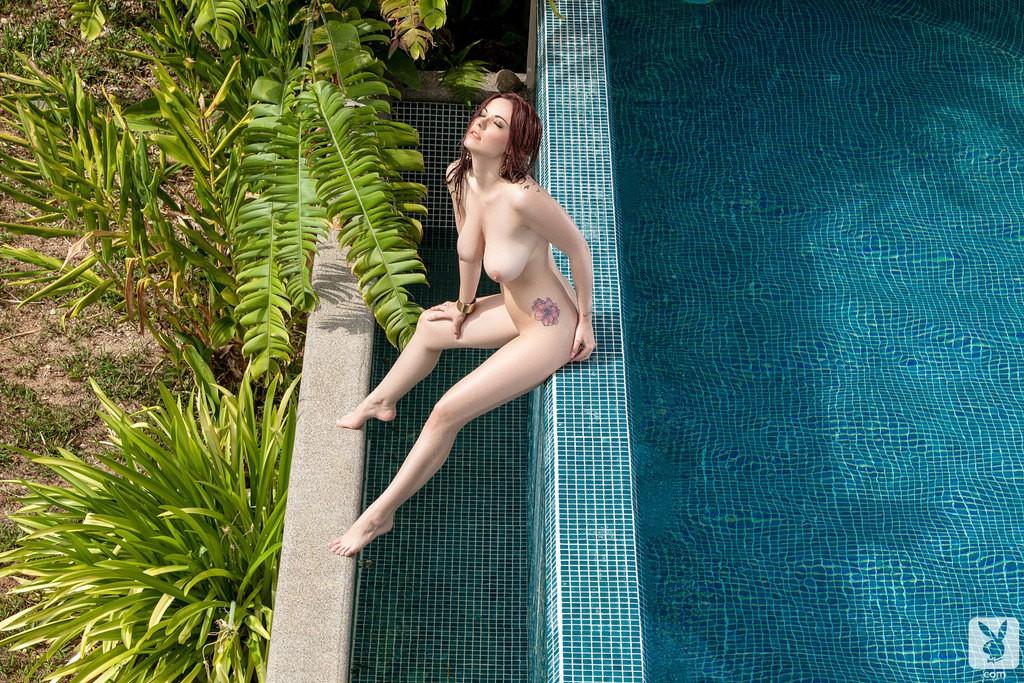 Elizabeth Marxs Nude Photos, Big Breasts