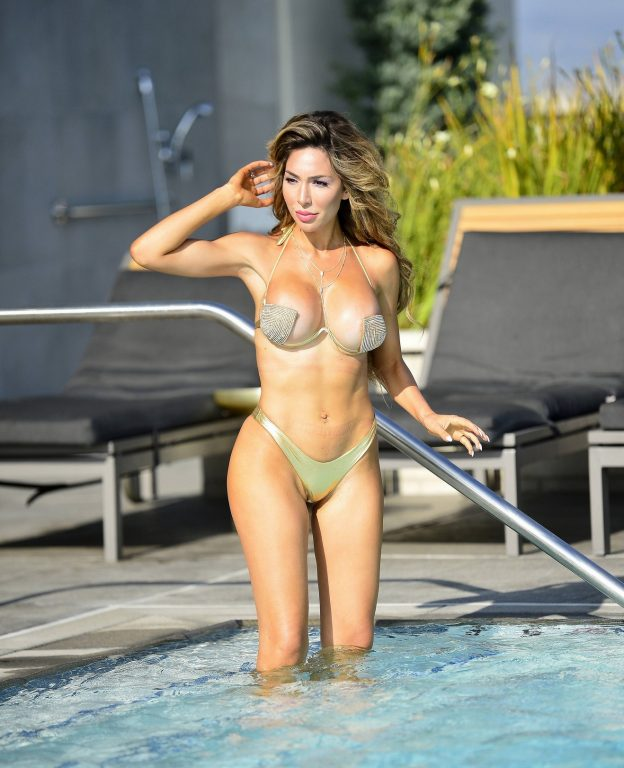 Farrah Abraham Sexy Pool Pictures