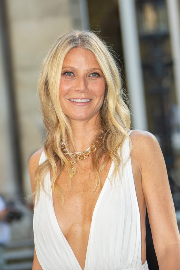 Gwyneth Paltrow Sexy White Dress Pictures