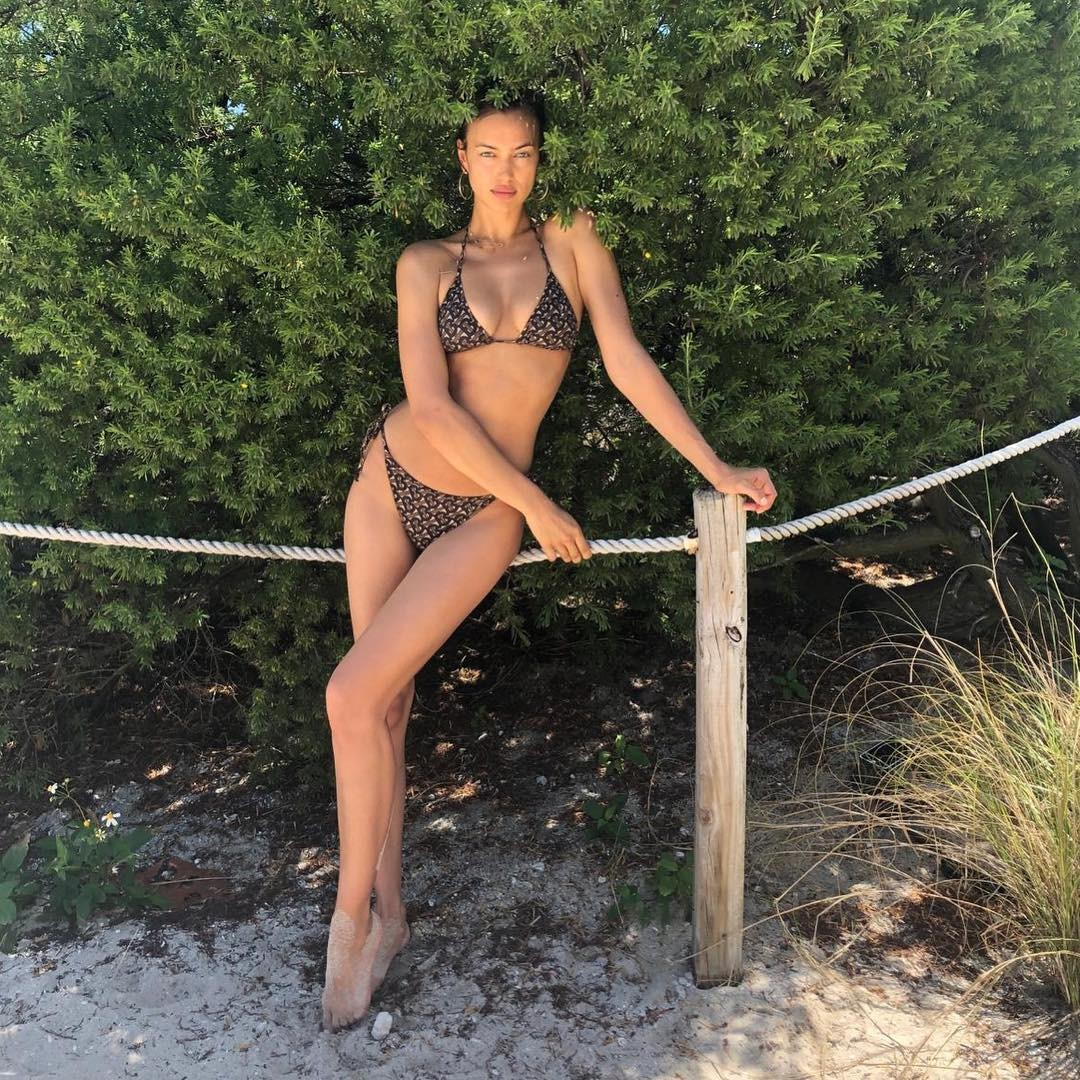 Irina Shayk Sexy Photos, Long Legs