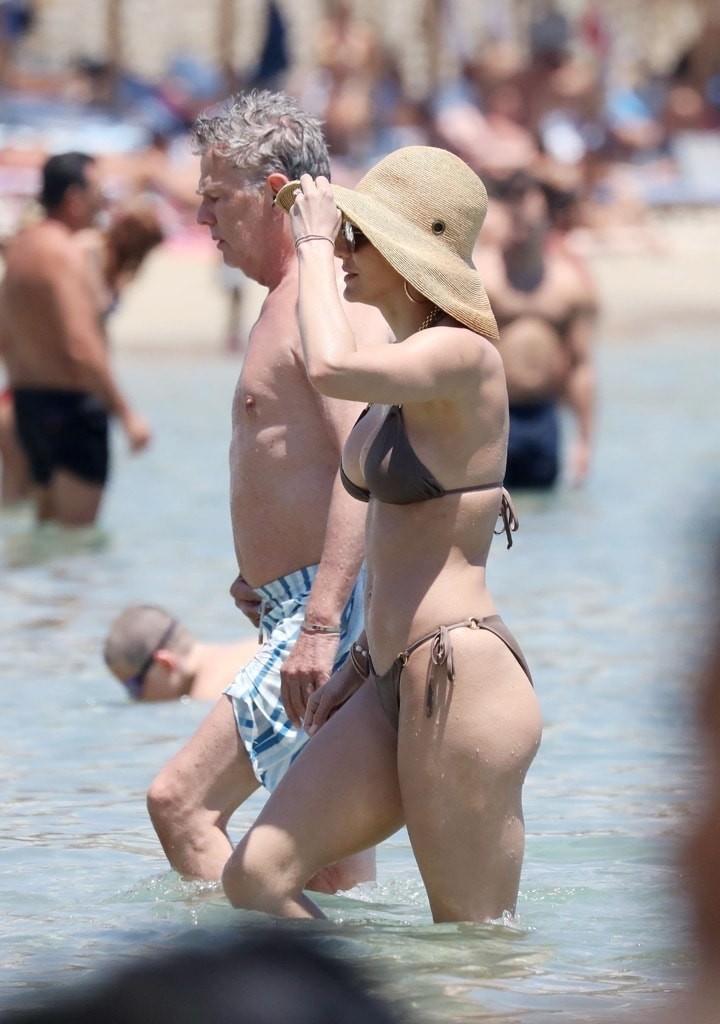 Katharine McPhee Sexy Bikini Photos