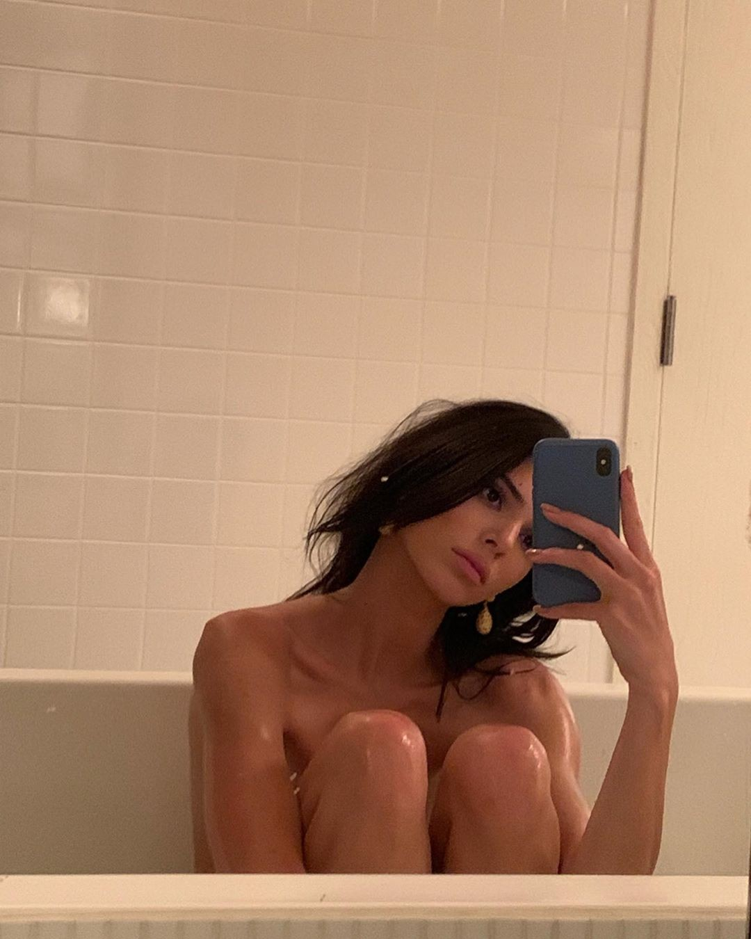 Kendall Jenner Naked Bath Photos