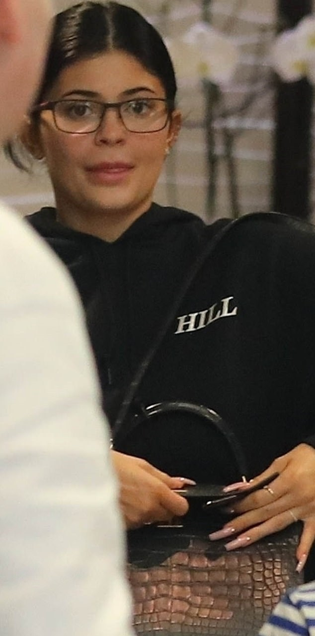 Kylie Jenner Lovely Casual Look Photos