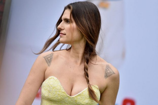 Lake Bell Sexy Photos, Braless