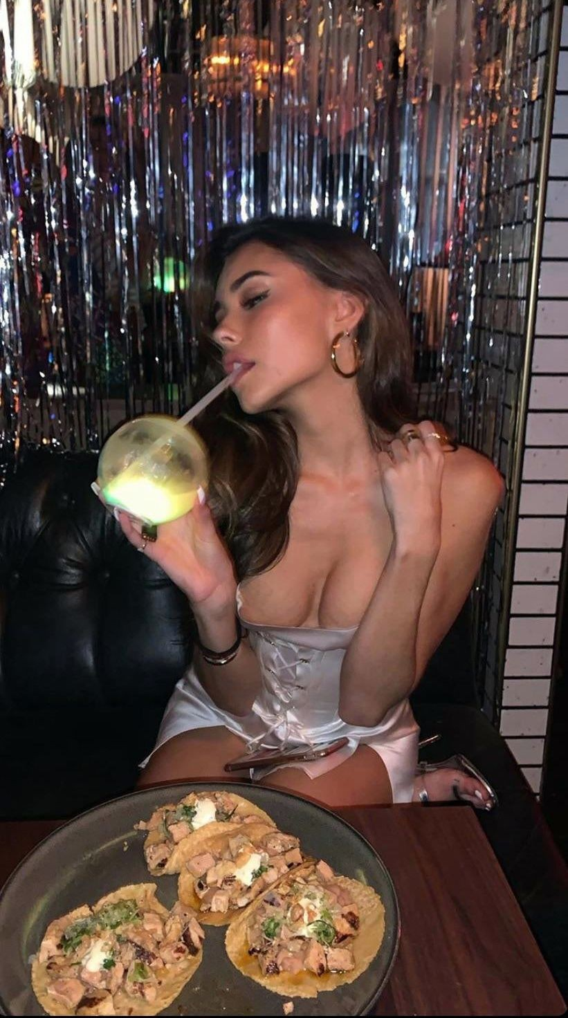 Sexy Madison Beer Shows Her Big Tits