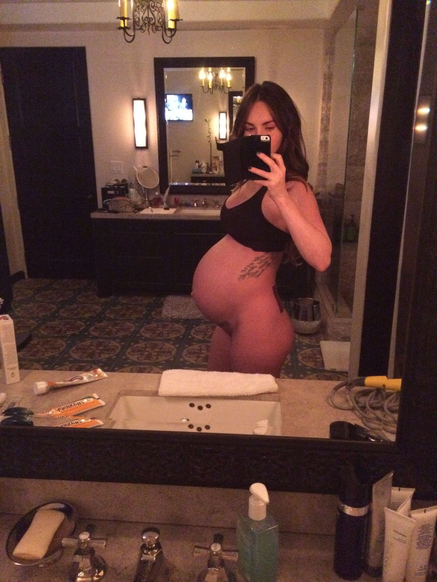 Megan Fox Nude Pictures Leaked, Pregnant