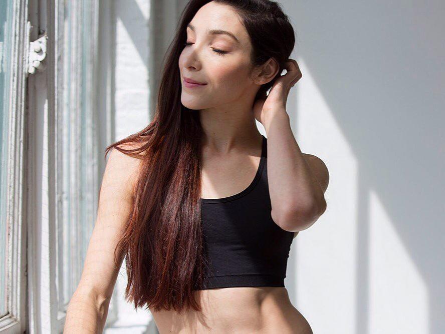Meryl Davis Sexy Pics Collection