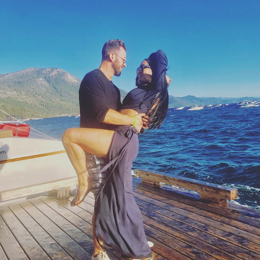 Nikki Bella Sexy Pics From Lake Tahoe