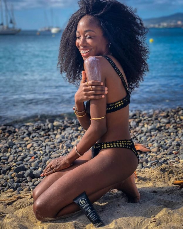 Nneya Richards Sexy Pictures and Videos
