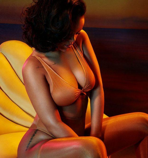 Rihanna Sexy New Photos, Big Booty