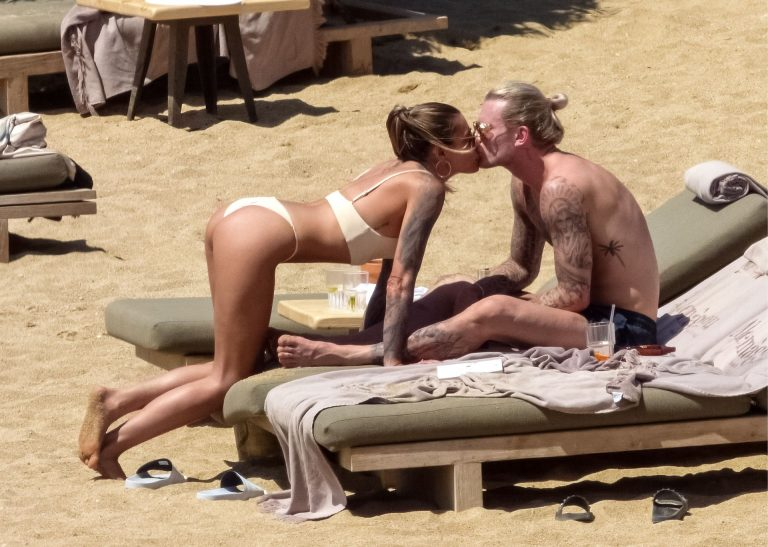 Sophia Thomalla On The Beach, Sexy