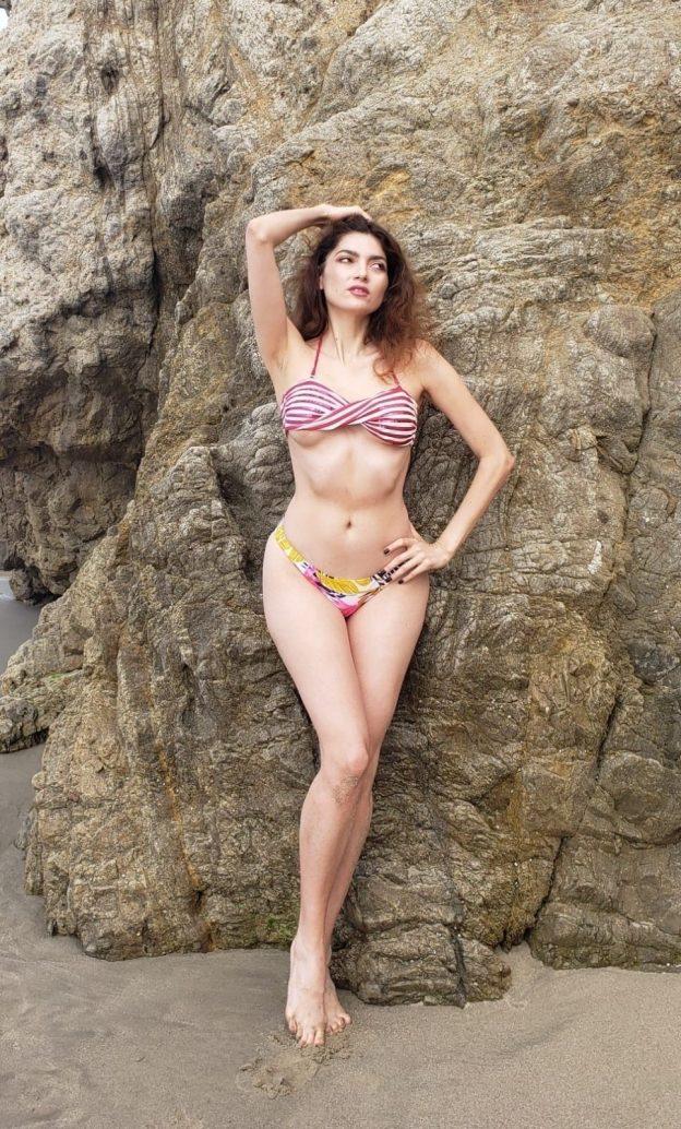 Blanca Blanco Stunning Beach Pictures, Bikini